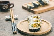 肉松寿司图片