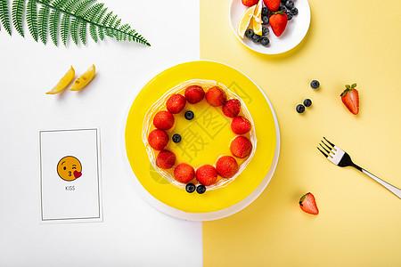 奶油草莓水果蛋糕图片