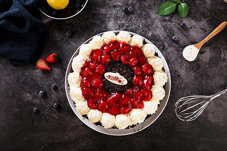 奶油水果巧克力蛋糕图片