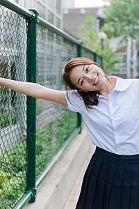 校园写真开心的女生图片