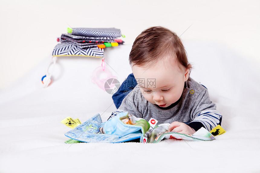 婴幼儿早教图片