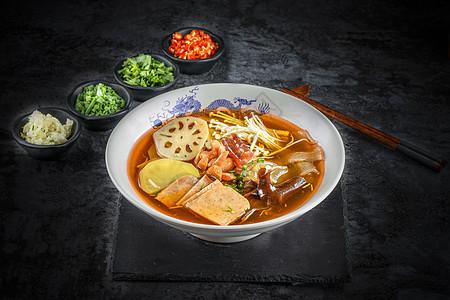 四川特色美味冒菜图片