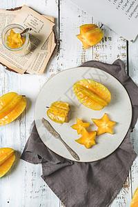 新鲜热带水果杨桃桌面吃水果图片