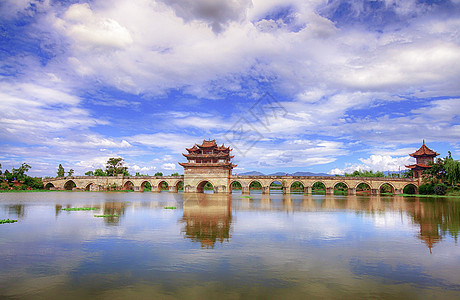 云南建水双龙桥图片
