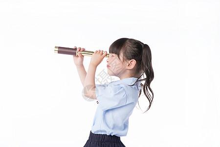 儿童节小女孩教育探索望远镜图片