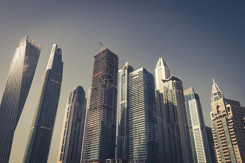 繁华城市的高楼图片
