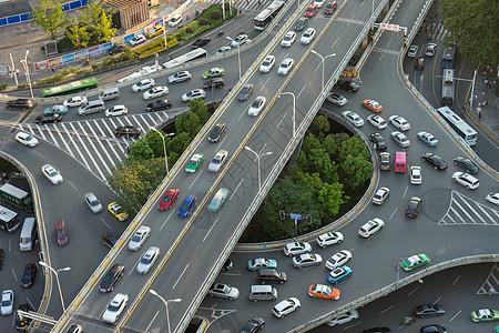 繁忙的城市立交桥图片