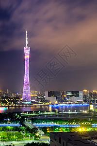 矗立在夜色中的广州塔小蛮腰图片