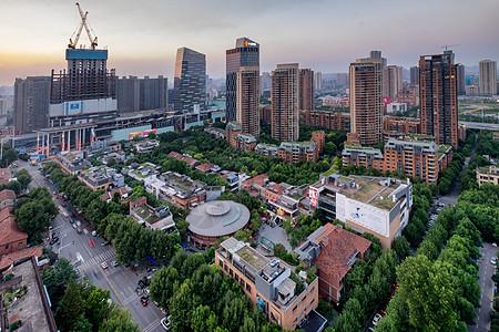 武汉天地绿色风景图片