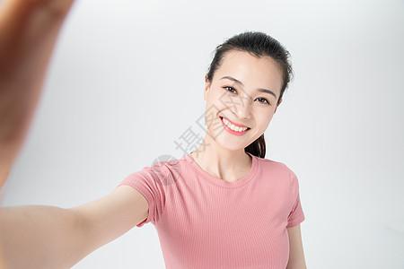 活力青年女性自拍图片