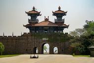 武汉磨山楚城城门图片