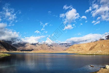 新疆喀什卡拉库里湖图片
