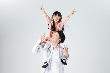 父女亲子人像欢乐陪伴图片