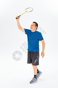打羽毛球的老年人图片