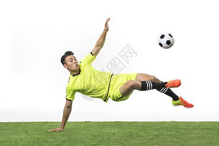 足球运动员射门图片