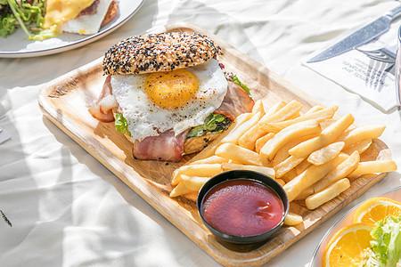 阳光下午茶薯条汉堡图片