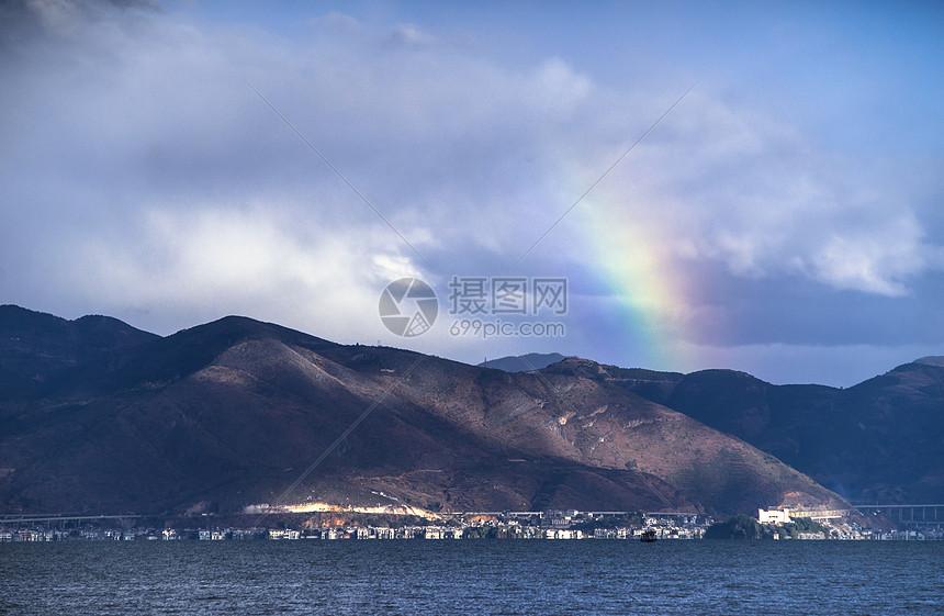 云南大理双廊洱海彩虹图片