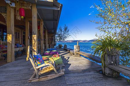 丽江洱海海边浪漫阳光图片
