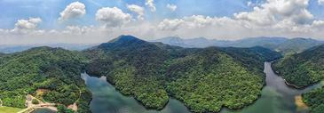 俯瞰湖北木兰天池全景长片图片