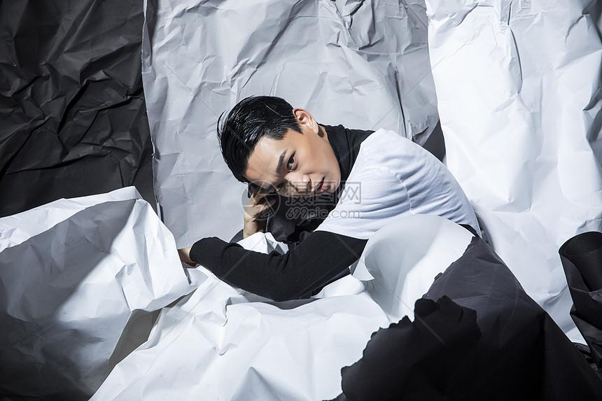 创意时尚青年男性图片