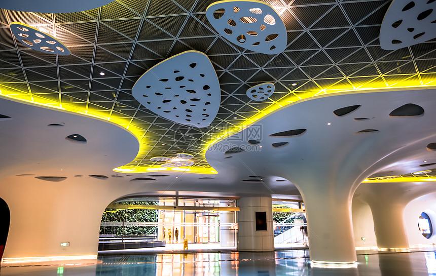 上海中心内部走廊图片