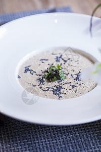 奶油菌菇浓汤图片
