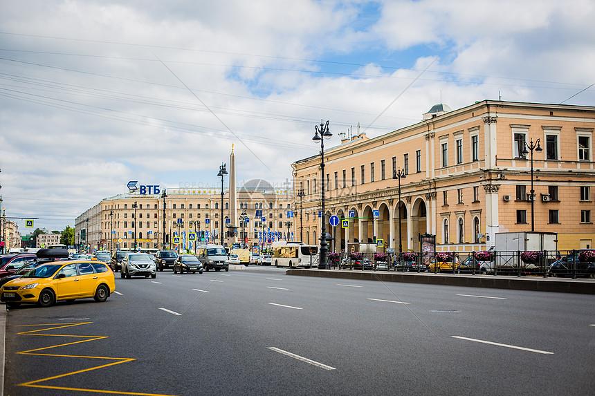 俄罗斯圣彼得堡建筑空旷的街道图片