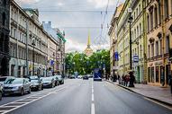 俄罗斯圣彼得堡街道与行人图片