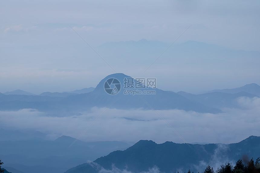 湖北咸宁九宫山云海图片