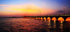 常熟昆承湖状元桥夜景图片