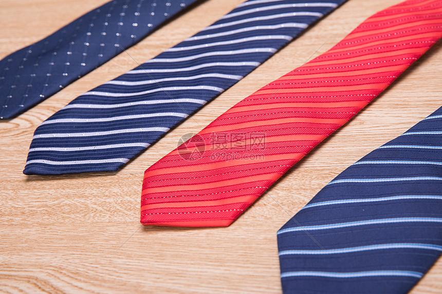 不同样式的领带图片