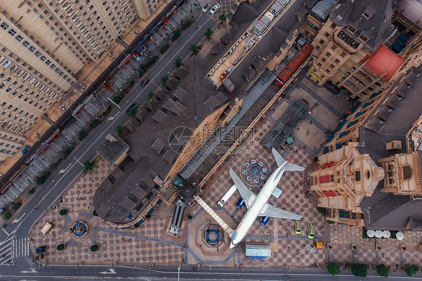 俯瞰武汉光谷广场飞机餐厅图片