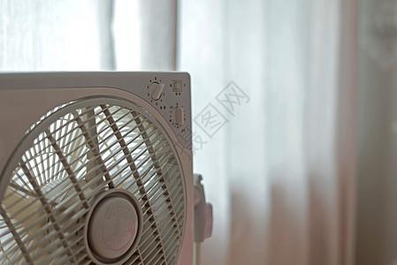 夏日的风扇图片