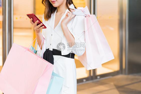 618美女青年购物特写图片