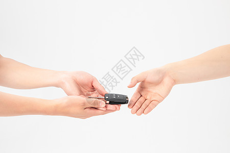 新车成交递钥匙图片