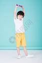 儿童教育小男孩手持超大铅笔学习500946214图片