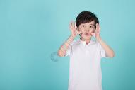 调皮淘气的小男孩儿童形象500946232图片