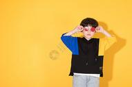 时尚儿童小男孩带卡通眼镜500946315图片