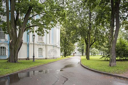 斯莫尔尼宫风景图片