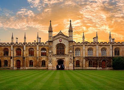 夕阳下的剑桥大学图片