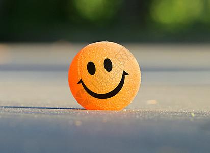开心的乒乓球图片
