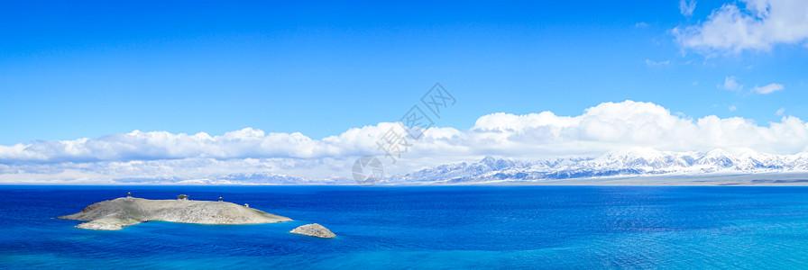 新疆赛里木湖全景图图片