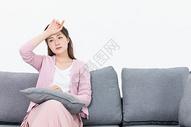 女性生病病痛图片