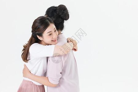 母女拥抱图片