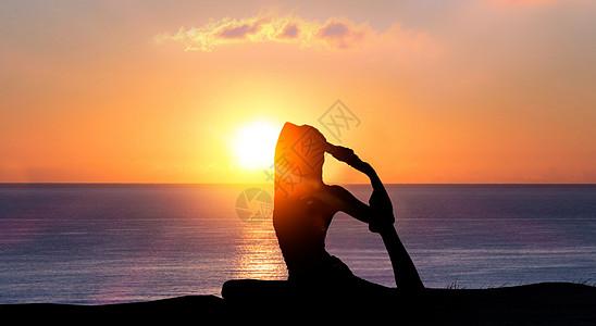 瑜伽剪影图片