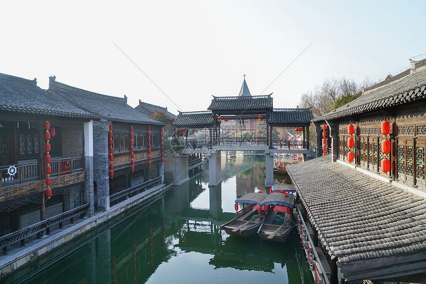 台儿庄古城游船图片