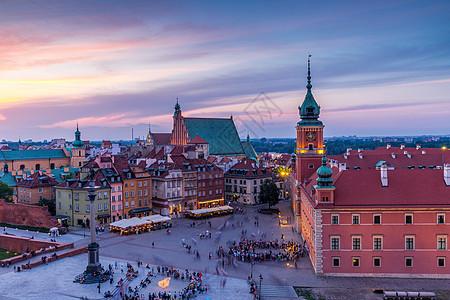 华沙老城日落夜景景观图片