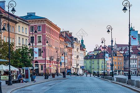 清晨中的欧洲旅游城市华沙建筑风光图片