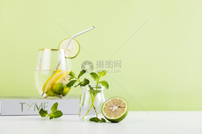 夏日青柠薄荷图片