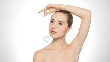 外籍美女美妆展示动作图片